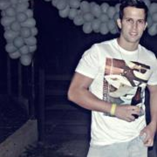 Vinicius Avelar's avatar