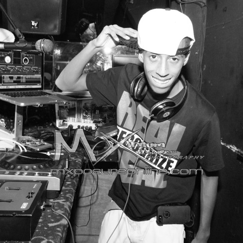 DJ Red((Strong Arm))'s avatar