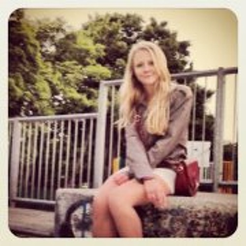 Josie Hains's avatar
