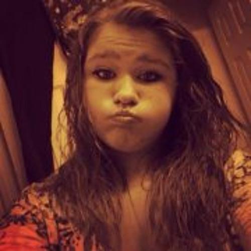 Savannah Carter's avatar