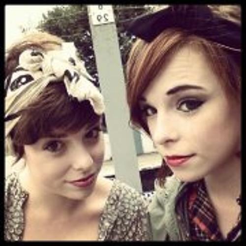 Zoe Booth 2's avatar