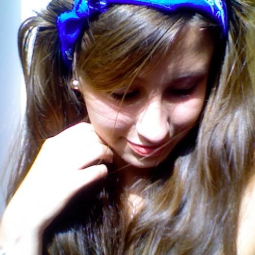 DanielaDavila's avatar