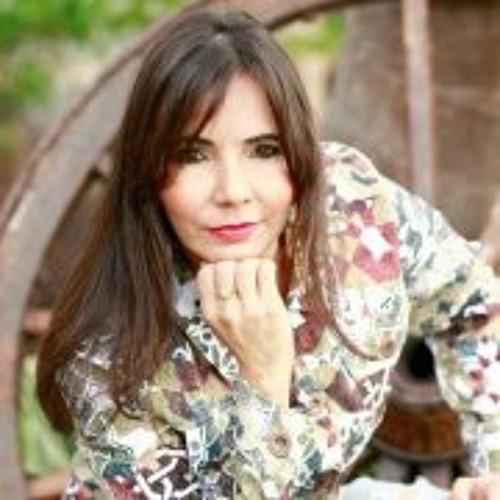 Joselia Mota's avatar