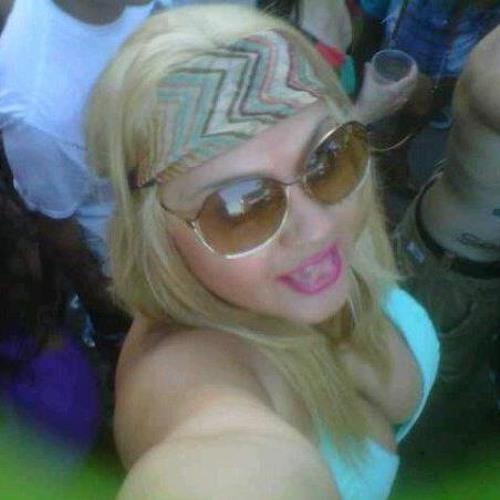 1566335bella's avatar