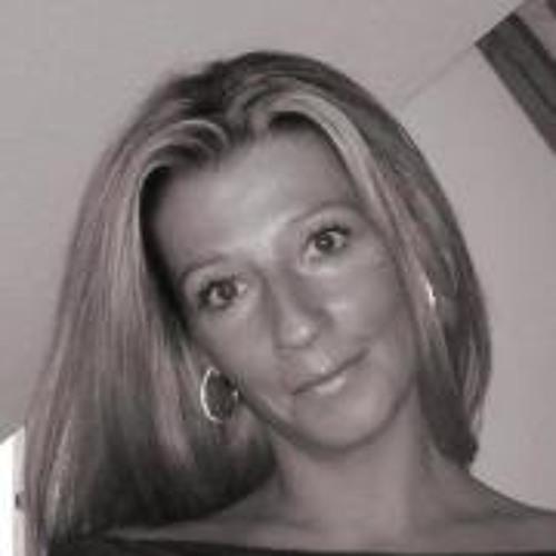 Mel Any 2's avatar