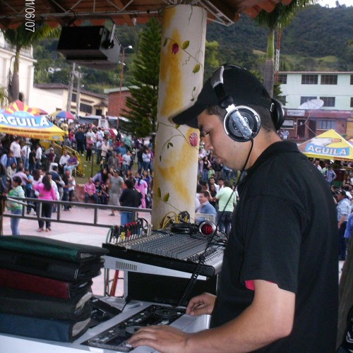 DJ COLOMBIA's avatar