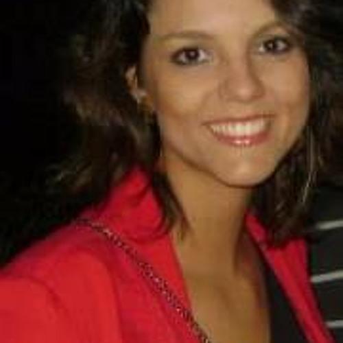 Mariana Coelho 12's avatar