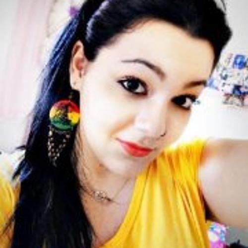 Luana Maria 8's avatar