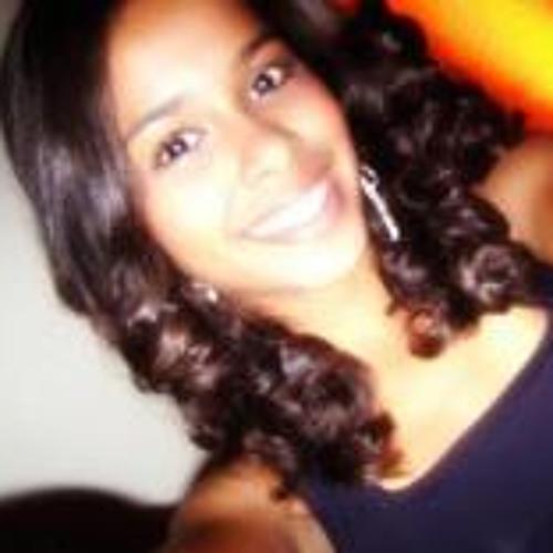 Isamara Nogueira's avatar