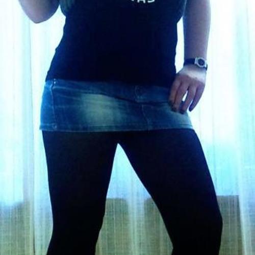 Leyla Raven's avatar