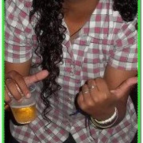 Poliana Coutinho's avatar