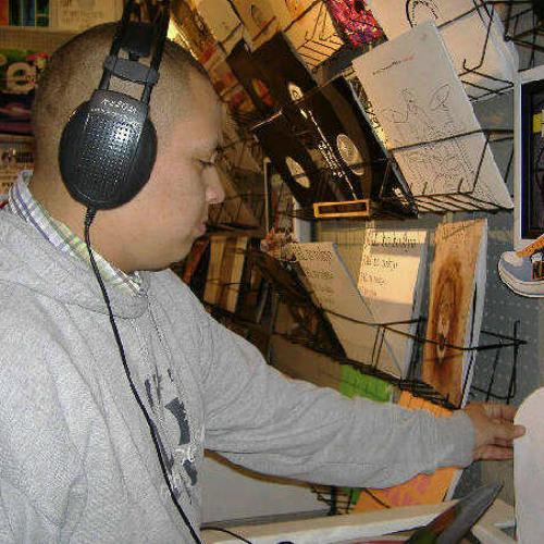 dj Alex Arias's avatar