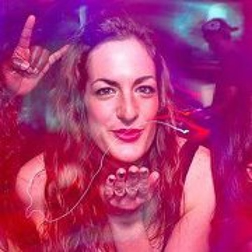 Ellie DAgos's avatar
