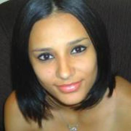 Thais Carvalho (;)'s avatar