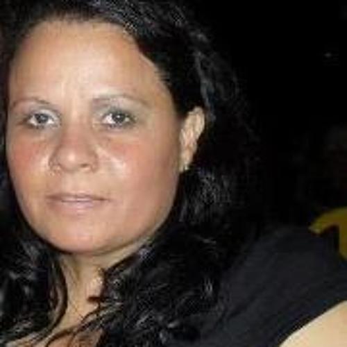 Lourdes Maciel's avatar