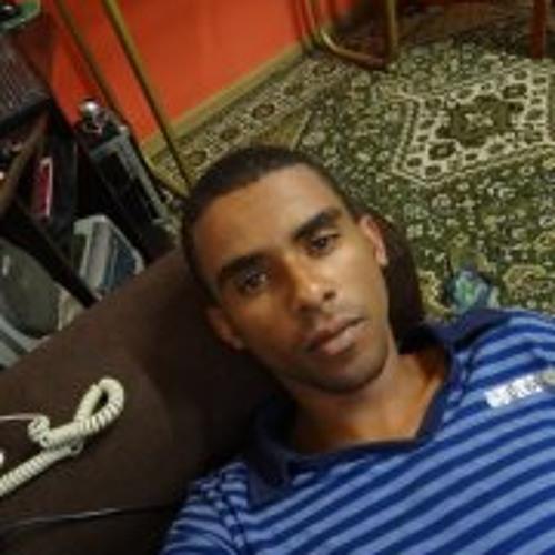 Lucas Oliveira 242's avatar