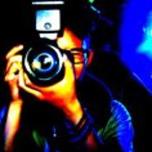 Luq Satrio's avatar