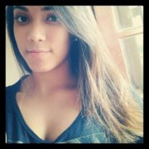 Laura Mineiro's avatar