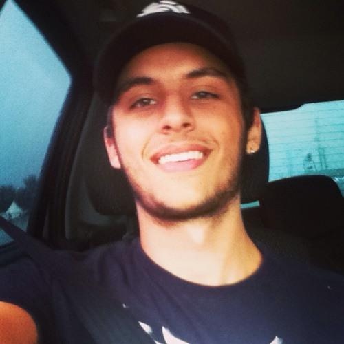 Felipe Ciolini's avatar