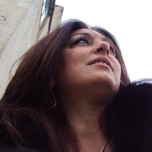 Angela Rossano's avatar