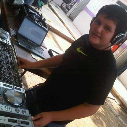 Roberto- Gomez's avatar
