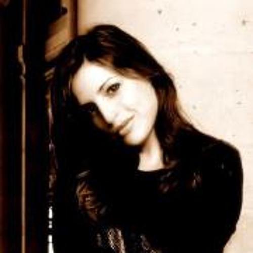 Sabrina Benhamou's avatar