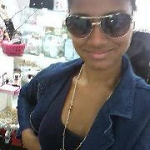 Vanessa Oliveira 56's avatar