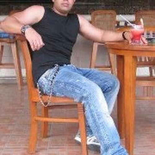 Daniel Saboori's avatar