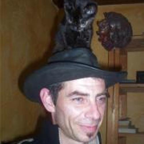 Julien Neumuller's avatar