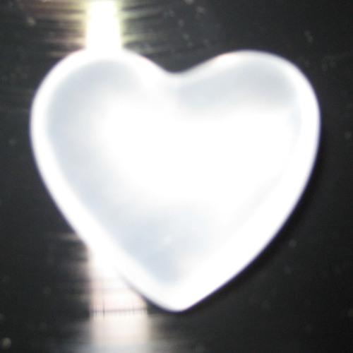 L Ø V E's avatar