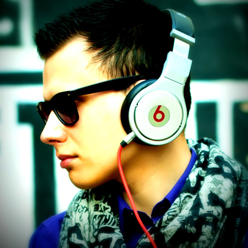 DJ Mikis's avatar