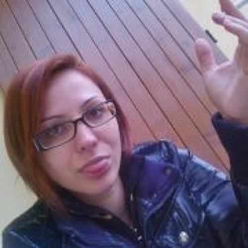 Raluca Victoria's avatar