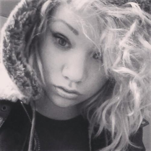 LeoniHughes's avatar
