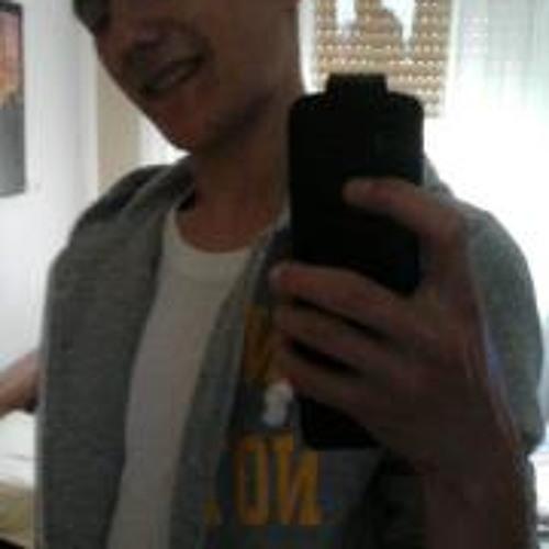 Justin GE's avatar