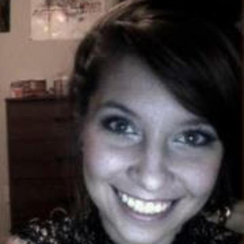 Erika Adrianna's avatar