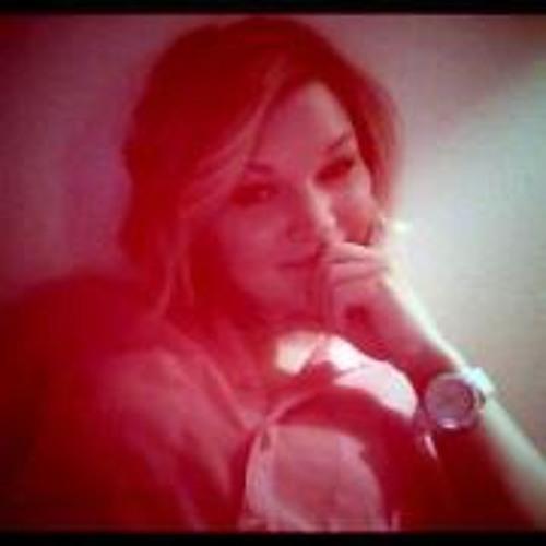 Courtney Kazy's avatar