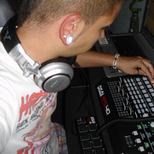 Chris De La Cordes's avatar