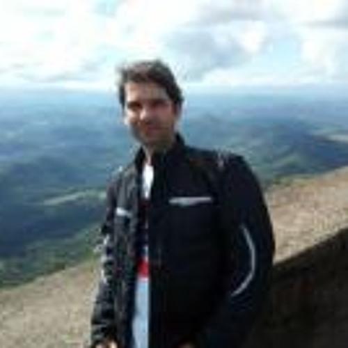Alessandro Brito's avatar