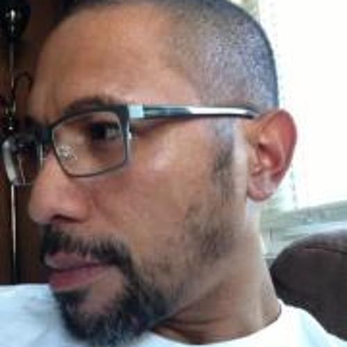 Junior Iked Mengidab's avatar