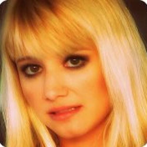Trisha Sun's avatar