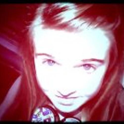 Annabel Cox's avatar