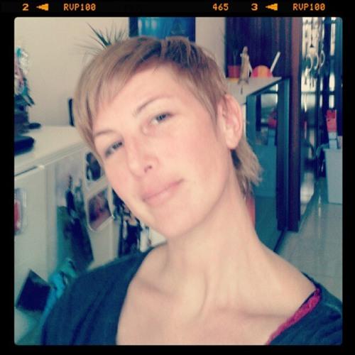 Rachel Pixi Burgess's avatar