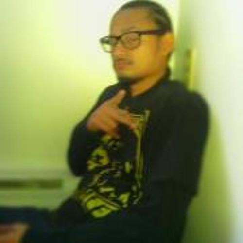 Pitt Mon's avatar