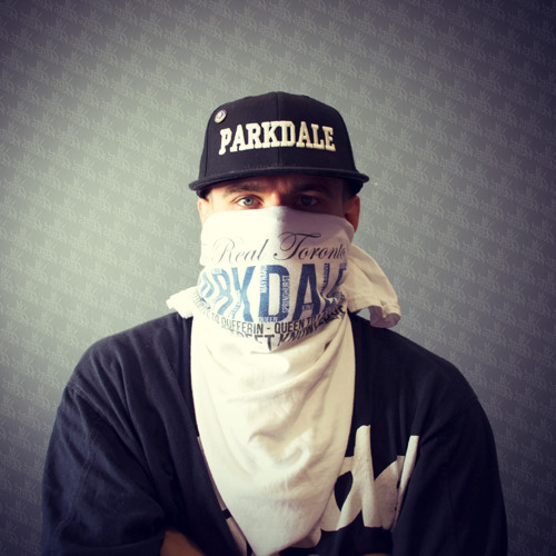 ┣╦̵мคzยภ૨ל╤─'s avatar