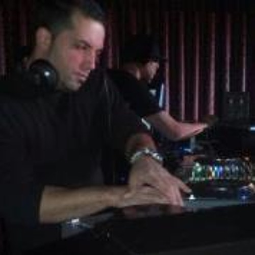 DJ Jonny Ayala's avatar