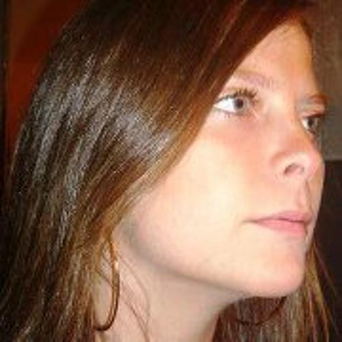 Nicole Ma Jose Aguirre's avatar