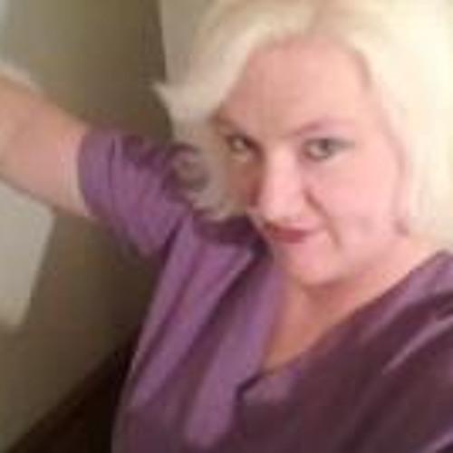 Julie Ledford Tremain's avatar