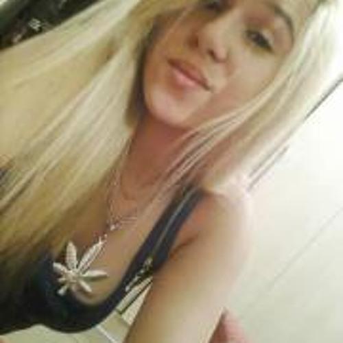 Amanda Albuquerque 4's avatar