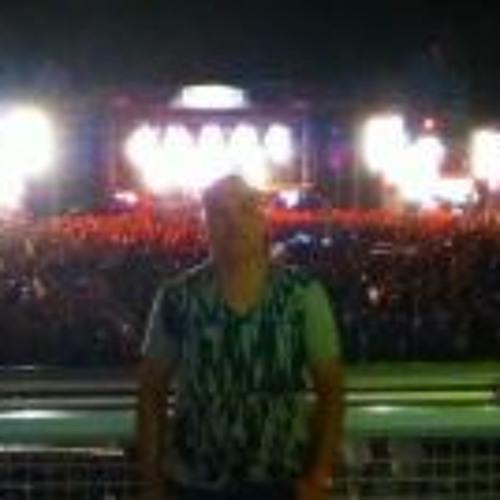 Luis Lopez 184's avatar