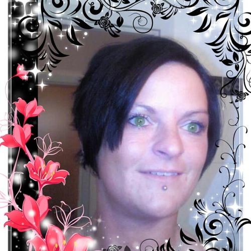 Bella Lohmann's avatar